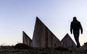 Emmanuele Panzarini, Wooden Cube, installazione site-specific. Vistabella, Castellón (Spagna), 2016.